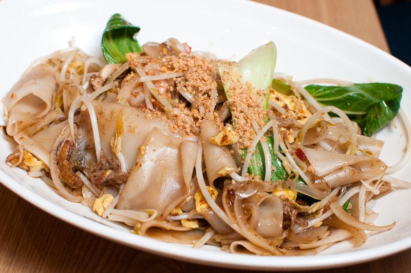 Pad See Ew at Mekong Thai. (Salgu Wissmath/ The Sejong Dish)
